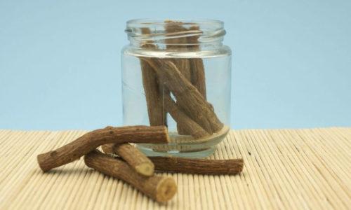 Süßholzwurzel Tee: Zubereitung, Wirkung & Mehr