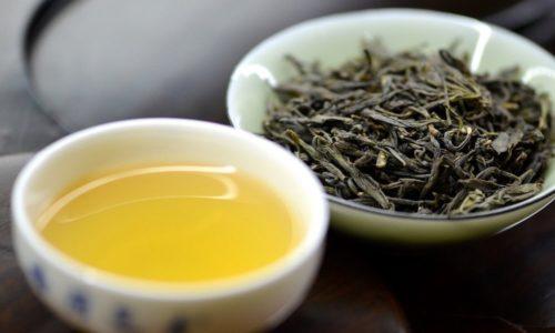 Gelber Tee: Wirkung, Zubereitung & Mehr