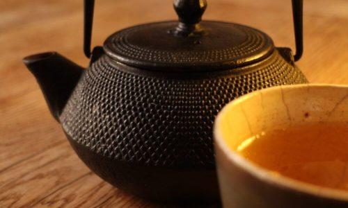 Taigawurzel Tee: Zubereitung, Wirkung & Mehr